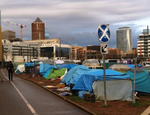 Dans le fief de Collomb, les incohérences de l'accueil des demandeurs d'asile (Mediacités)